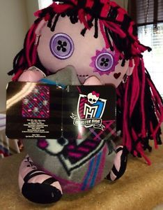 Monster High Draculaura Plush Hugger and Throw Blanket New