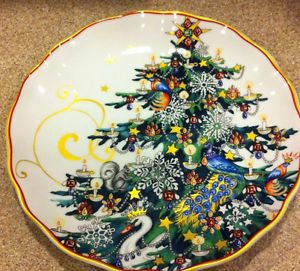 Set of 4 christmas red mikasa dinnerware plates from dillards