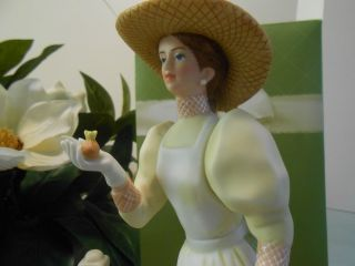 Avon Mrs Albee Figurines Presidents Club 2008