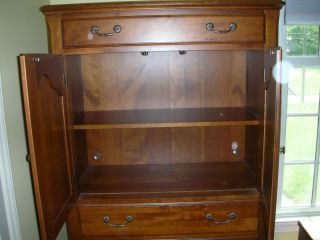 Ethan Allen Maison Country French Two Door Cabinet Perfect