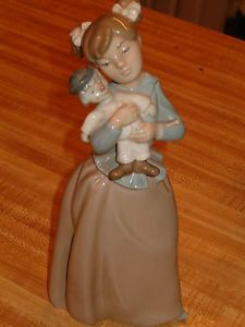 Collectible Nao Lladro Porcelain Figurine Girl Carring Clown Doll Nice Look