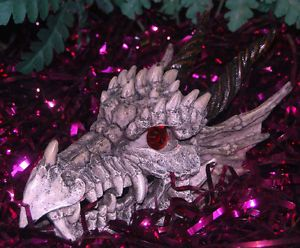 Dragon Skull Gazer Aquarium Ornament Red Eyes