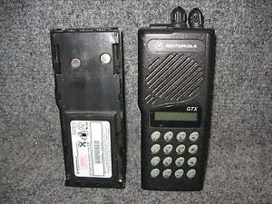 Motorola GTX Handie Talkie Model H11WCD4CB1AN Walkie Talkie Handheld 2 Way Radio