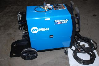 Tested Beautiful Miller Millermatic 252 MIG Welder Wire Feed Inv 516