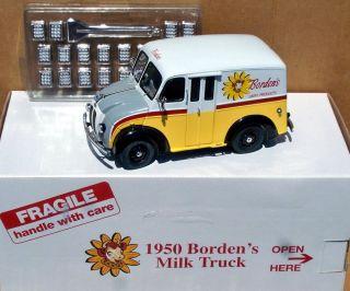 Danbury Mint Borden's Dairy 1950 Divco Milk Truck 20 Bottle Crates Mint in Box