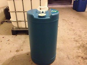 15 Gallon Plastic Drum Food Grade Safe Great for Water Storage Aquaponics Etc