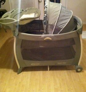 ... Graco Pack N Play w Bassinet Changing Station Vibrator Music etc on Sale ... & Graco Pack N Play 389LA Bassinet Changing Station Portable Playard