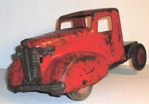 Vintage Wyandotte Red Truck Cab Missing One Tire