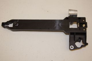 Hummer H3 LH Drivers Side Front Outside Door Handle Housing 25878779