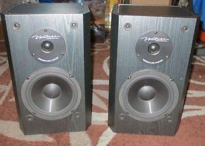 BIC America Venturi DV62SI B Bookshelf Speakers Pair