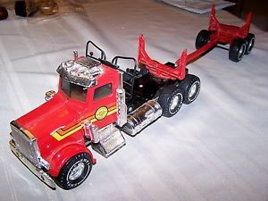 "Ertl 1 25 Scale Peterbilt Logging Truck Trailer 21"" Red w Decals"