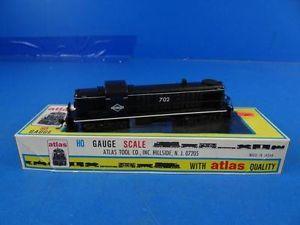 C1 Atlas HO Scale Illinois Central Model Train Locomotive Engine 702 Diesel