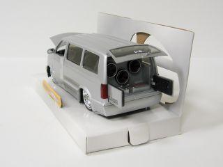 2001 Chevrolet Astro Diecast Model Van Jada Dub City 1 24 Scale Silver