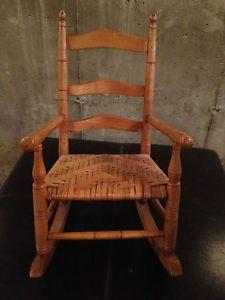 ... Vintage Primitive Childu0027s Rocker Rocking Chair ... & Antique Vintage Primitive Childu0027s Oak Rocker Rocking Chair at Least ...