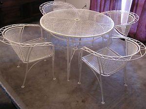 High Fashion RARE Eames Era Meadowcraft Wrought Iron Mesh Patio Table 4 Chairs