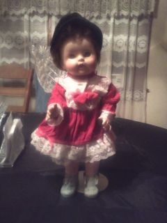 Pretty Marked American Character Tiny Tears Baby Doll with Clothing Hats Lot