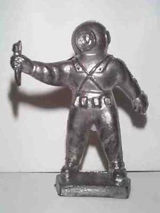 Old Aquarium Navy Deep Sea Diver Hard Hat Metal Figure