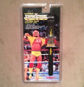 RARE WWF Electronic Superstars Wrestling LCD Watch Video Game Tiger Electronics