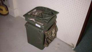 Portable Hunting Fishing Cushioned Chair with Cooler Base