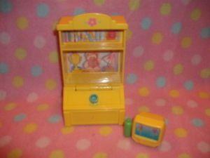 Fisher Price Loving Family Dollhouse Toy Box Bookshelf Kids TV Playset Cute