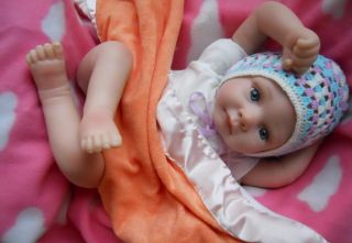Reborn Baby Girl Dolls Newborn Realistic Baby Dolls Kids Holiday Special Gifts!