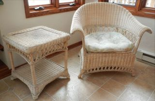 Pier 1 beautiful high back large wicker rattan rocking chair with seat