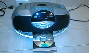 Audiovox Cassette Player CD and Radio Model CE 211R Working and Nice Boombox