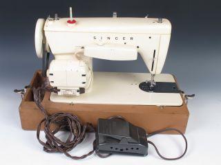 Vintage Singer Sewing Machine Model 237 w Case