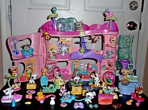 Littlest Pet Shop Cozy Care Adoption Center Persian Cat Chihuahua Big Lot House