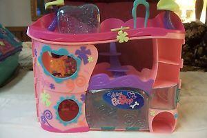 Ad 36 2008 Littlest Pet Shop Cozy Care Adoption Center House Accessories