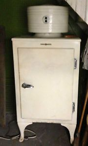Retro Original GE Monitor Top Antique Refrigerator Works Vintage Appliance