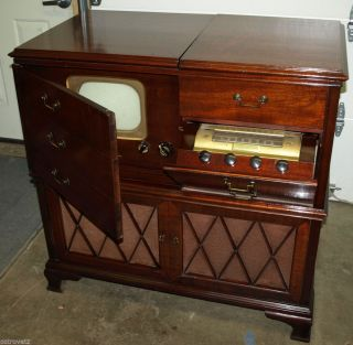 Vintage Retro 1949 RCA Victor Model 9 TW 333 Television Am FM Radio