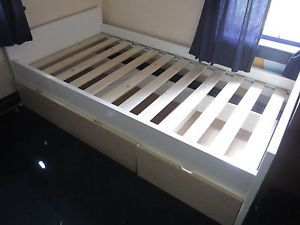 Bed ikea on popscreen for Platform bed with drawers ikea