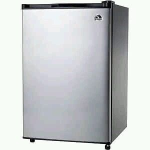 Igloo 3 2 CU ft Refrigerator Compact Small Mini New Stainless Steel Office Dorm