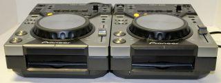 2 Pioneer CDJ 400 DJ Turntables