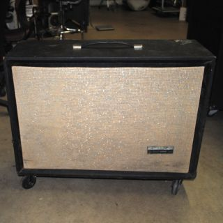 Pickup Only Silvertone Empty Solid State 150 6x10 Guitar Speaker Cabinet