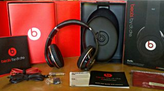 Beats by Dr Dre Studio Headphones New in Box Black Perfect Condition