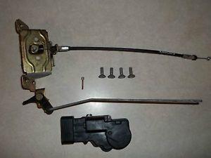 98 99 00 01 02 03 Toyota Sienna Left Sliding Door Latch Lock Actuator