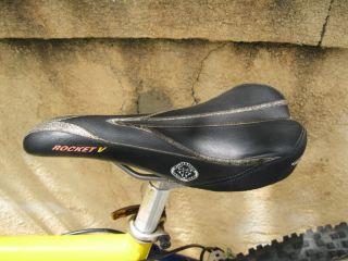 Giant ATX 990 Team Champion Mountain Bike Bicycle