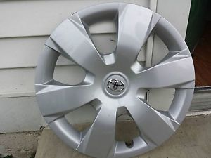"""Toyota Camry 16"""" Wheel Cover"""