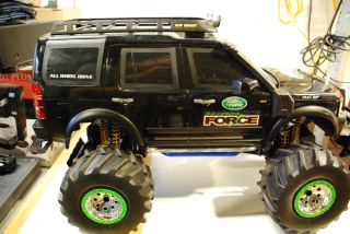 "All Wheel Drive ""New Bright"" Land Rover Driving Force RC Truck Parts or Repair"