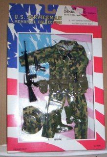 SOLDIERS OF THE WORLD SOTW VIETNAM Marine Uniform: Toys & Games