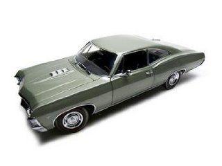 1967 Chevrolet Impala Ss 427 Green Authentics 118 Toys & Games